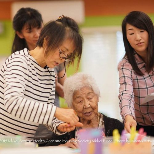 Helping-seniors_MantoArtworks